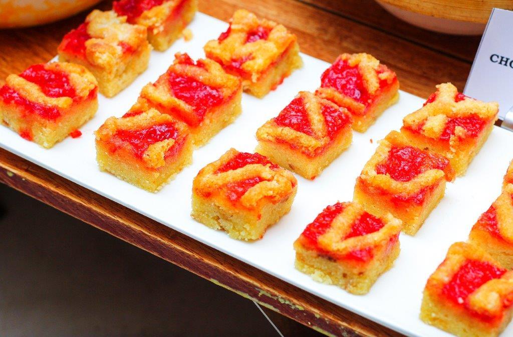 Passion-fruit Raspberry Cake
