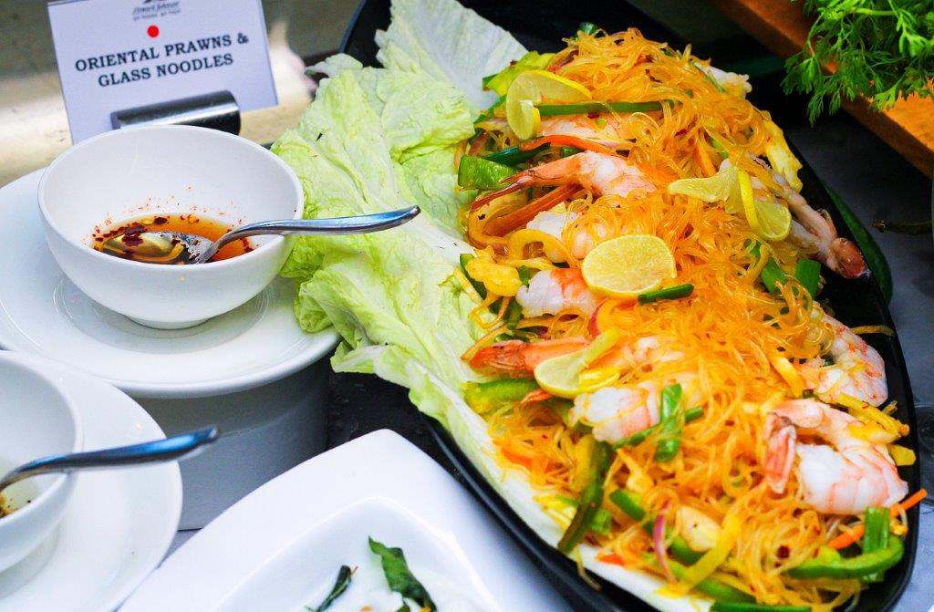 Oriental Prawns with Glass Noodles