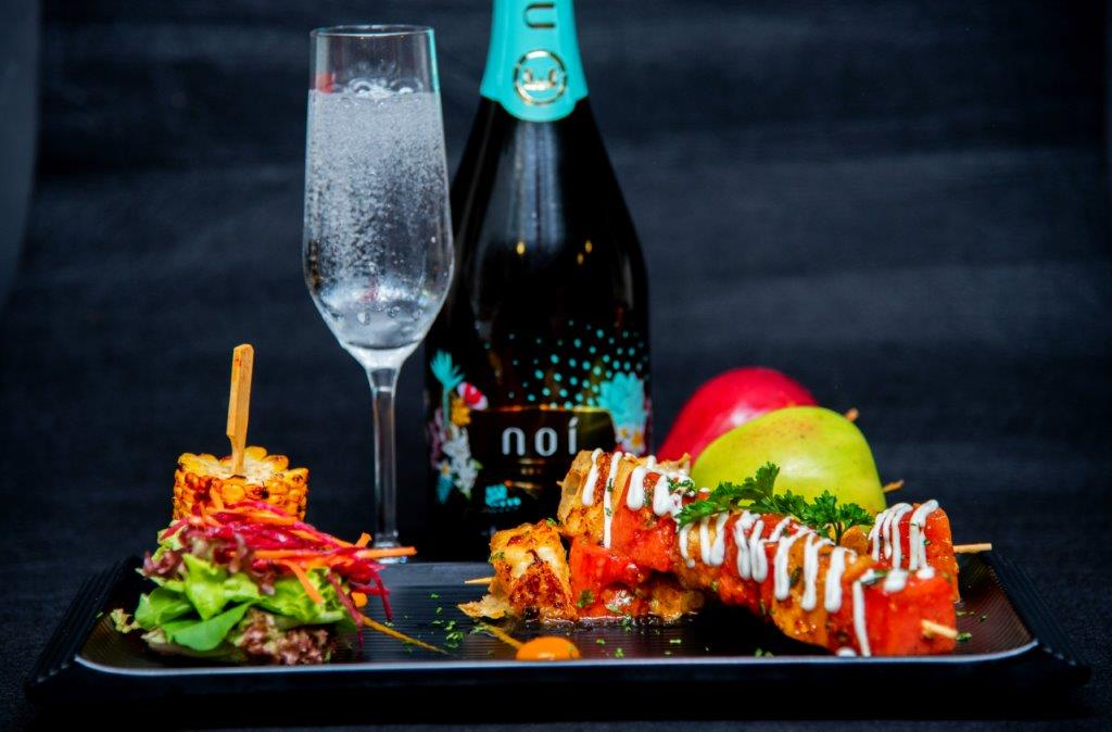 Kikkoman spiced marinated Tofu Skewers paired with Noi Fruity Sparkling Wine
