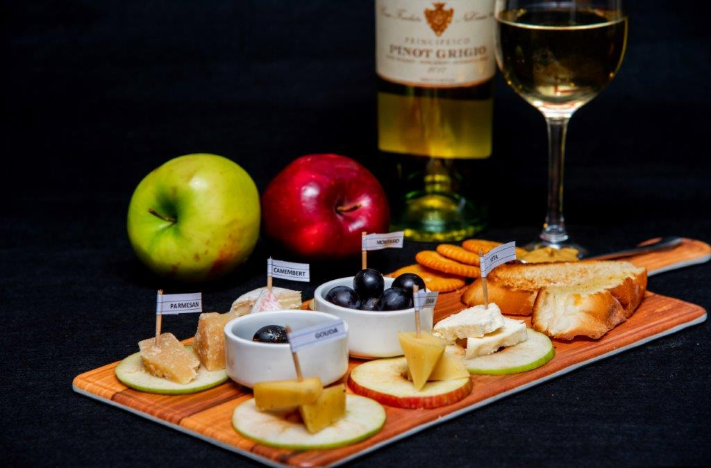 Cheese Platter paired with Francesca Pinot Grigio White Wine