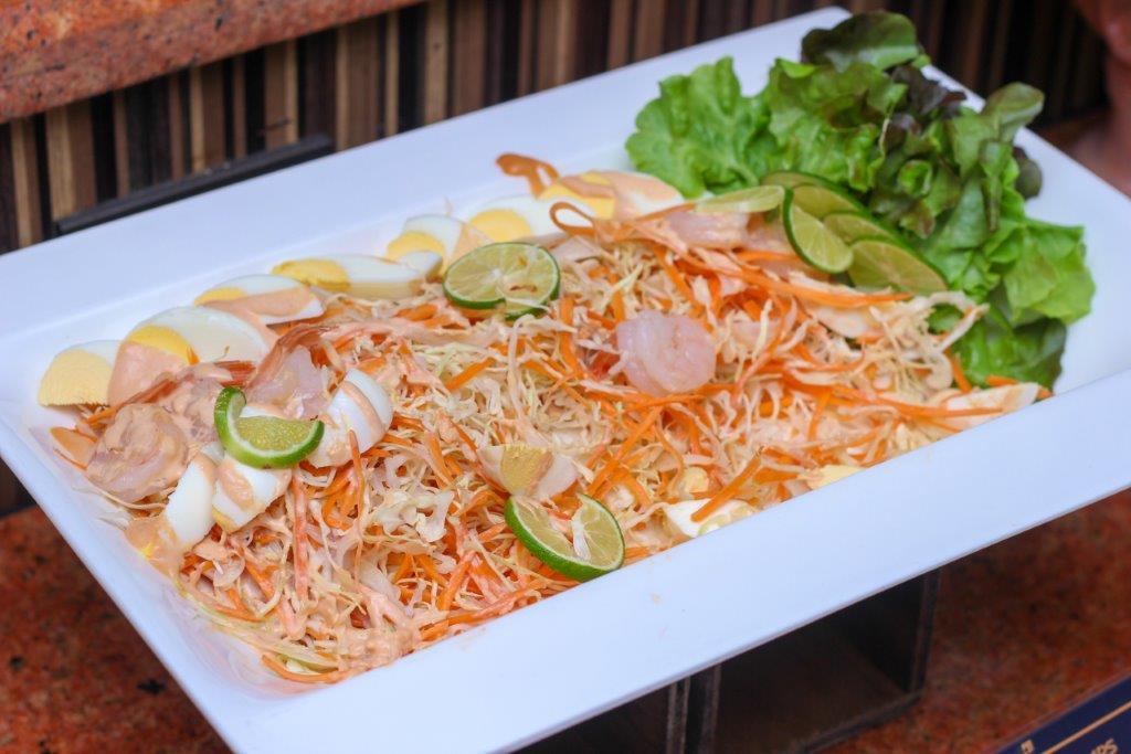 Aburi Salmon Sushi Salad